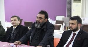 AHMET YENİLMEZ'DEN TİYATRO SONRASI GENÇLERLE SOHBET