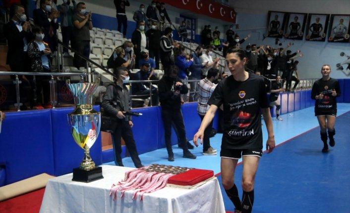 Kastamonu Belediyespor şampiyonluk kupasına kavuştu