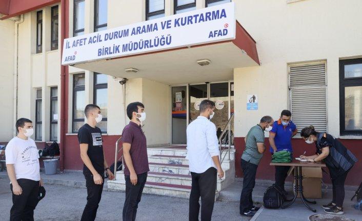 AFAD gönüllüleri, sel bölgesine destek olmak amacıyla Ankara'dan yola çıktı