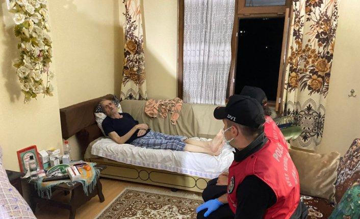 Afet Kriminal İnceleme ekipleri, selde mahsur kalan yaşlı KOAH hastasının yardımına koştu
