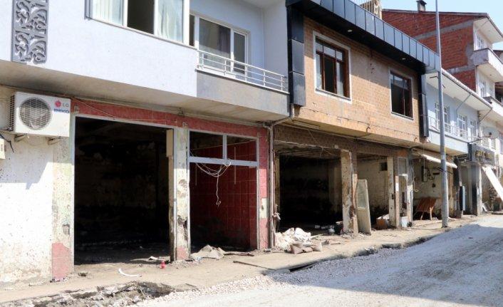 Bozkurt'ta iş yeri zarar gören esnaf için konteyner dükkan alanı oluşturuldu