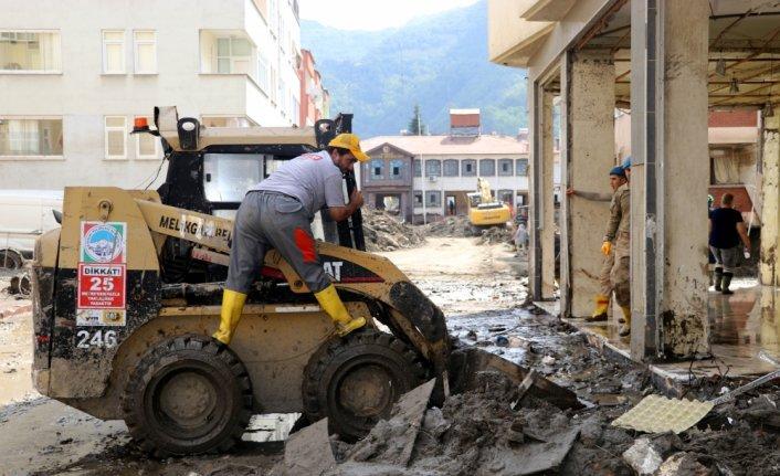 Bozkurt'ta sel felaketinin izleri silinmeye çalışılıyor