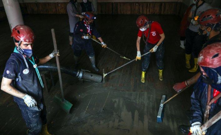 Bozkurt'ta suyun kesildiği bölgelerde bakım ve onarım çalışmaları devam ediyor