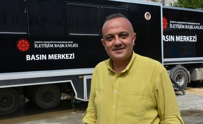Cumhurbaşkanlığı İletişim Başkanlığı Basın Tırı, sel yaşanan Bozkurt'ta gazetecilere hizmet veriyor