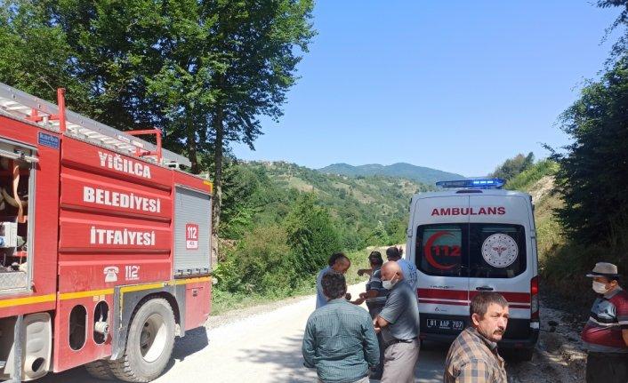 Düzce'de süt toplama kamyoneti 50 metrelik şarampole devrildi: 2 ağır yaralı
