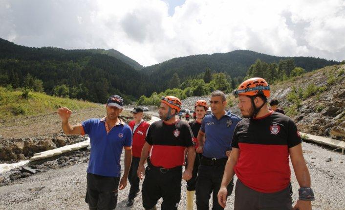 Kastamonu'da üç yaşındaki Buğlem'i kurtardıktan sonra sele kapılan Ertuğrul Sevik'in cansız bedenine ulaşıldı