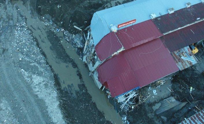 Kastamonu'daki selden etkilenen Abana Küçük Sanayi Sitesi'nde yıkım çalışmaları başladı