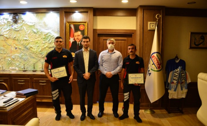 Manavgat'ta yangın söndürme çalışmalarına katılan itfaiye personeline teşekkür belgesi