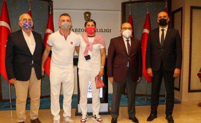 Olimpiyat şampiyonu Busenaz Sürmeneli'den Trabzon Valisi Ustaoğlu ve Büyükşehir Belediye Başkanı Zorluoğlu'na ziyaret