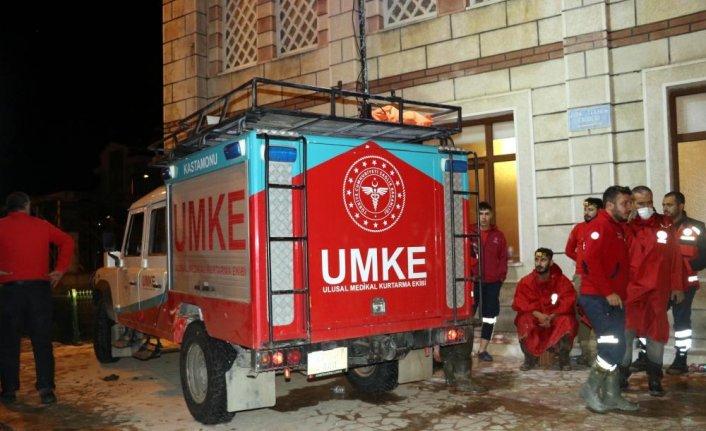 Sel felaketinin yaşandığı Bozkurt ilçesinde caminin içine sahra hastanesi kuruldu