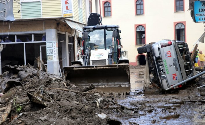 Sel felaketinin yaşandığı Bozkurt'ta enkaz kaldırma ve temizlik çalışmalarına başlandı
