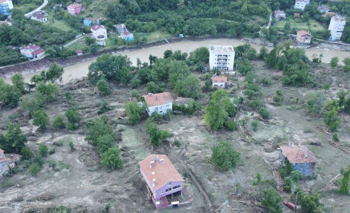 Selden etkilenen Kastamonu'nun İnebolu ilçesine bağlı Özlüce köyü havadan görüntülendi
