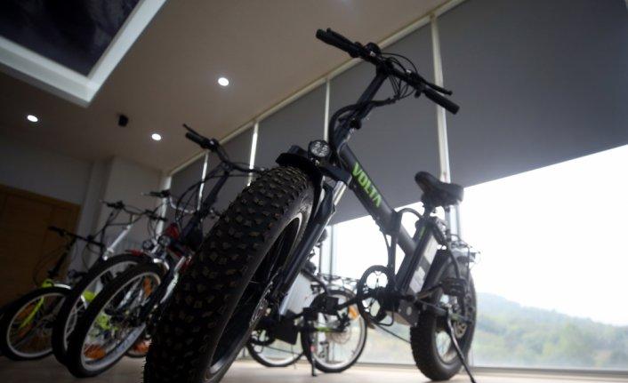Düzce'de üretilen elektrikli motosiklet ve bisikletler dünya yollarında