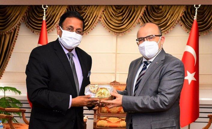 Hindistan'ın Ankara Büyükelçisi Panda, Trabzon'da ziyaretlerde bulundu