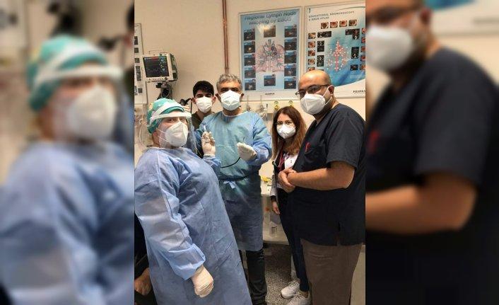 Karabük'te öksürük şikayetiyle hastaneye giden kadının akciğerinden çekirdek çıktı