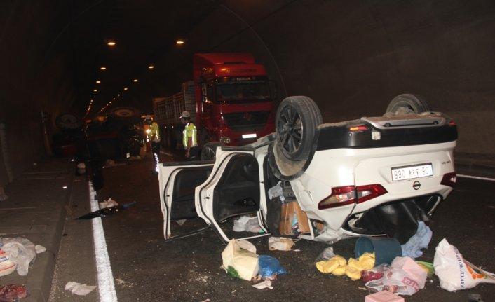 Ordu'da otomobil ile traktör çarpıştı: 2 yaralı