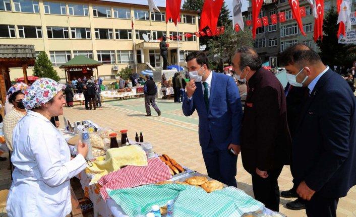 Sakin şehir Şavşat'ta yöresel ürünler tüketiciyle buluştu
