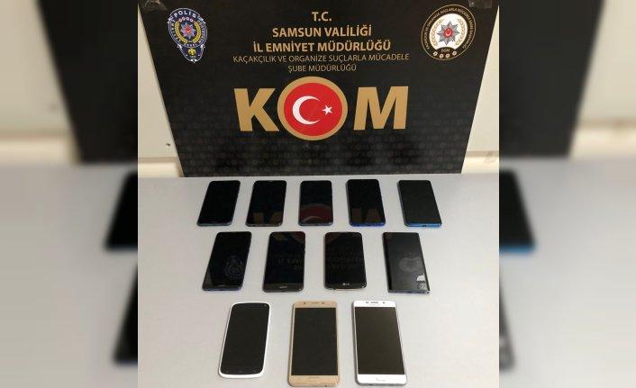 Samsun'da 12 faturasız cep telefonu ele geçirildi