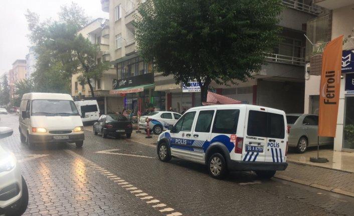 Samsun'da üçüncü kattaki balkondan düşen kişi ağır yaralandı
