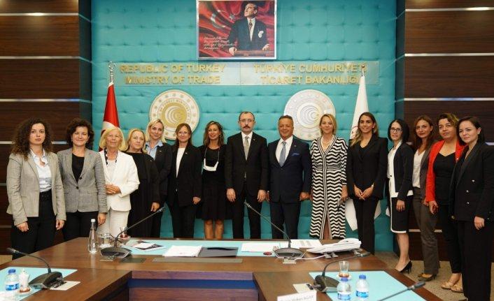 TİM Kadın Konseyi Ticaret Bakanı Mehmet Muş ile bir araya geldi