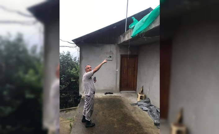 Trabzon'da fındık kurutmaya çalışırken evinin çatısından düşen kişi öldü