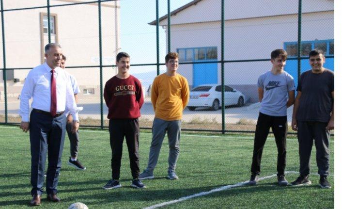 Amasya Milli Eğitim Müdürü Coşkun Merzifon'da okulları ziyaret etti