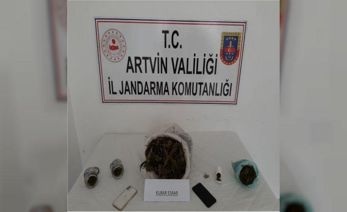 Artvin'de uyuşturucu operasyonunda 2 kişi gözaltına alındı