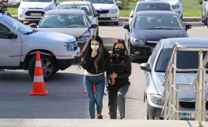 Bolu'da kadın yolcunun çantasından 3 bin 80 uyuşturucu hap çıktı