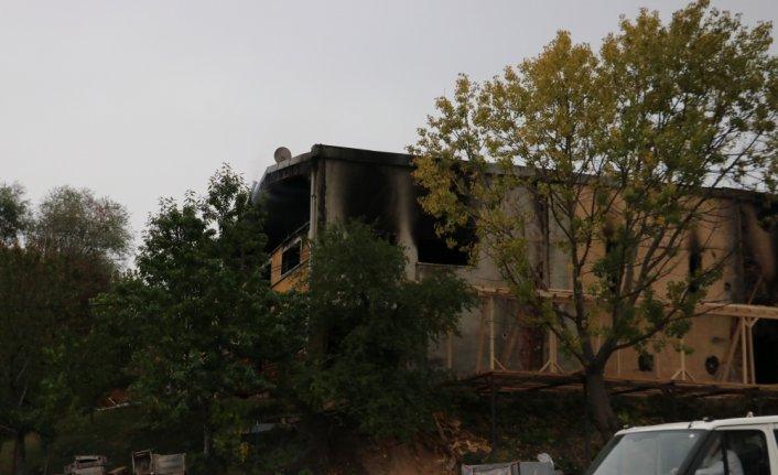 Kastamonu'da yangın çıkan mobilya fabrikasında zarar oluştu