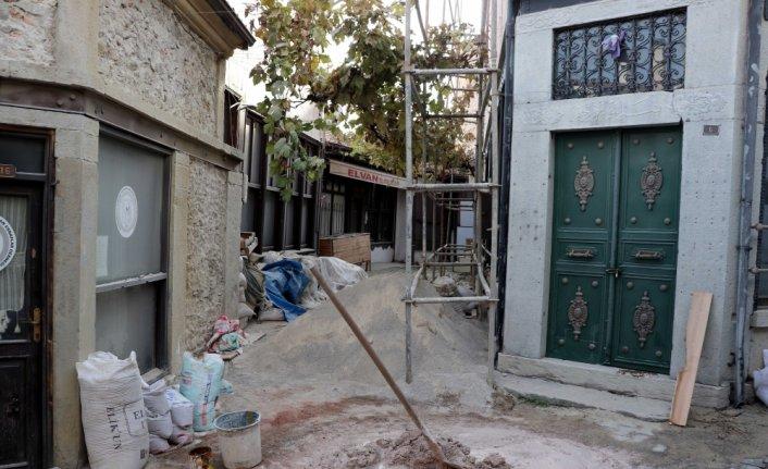 Safranbolu'daki 23 tarihi dükkanın restorasyon çalışmasına başlandı