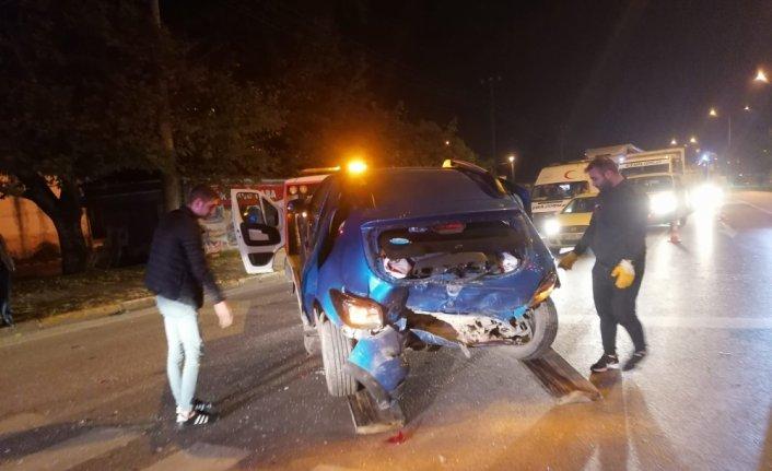 Samsun'da iki otomobilin çarpıştığı kazada 6 kişi yaralandı