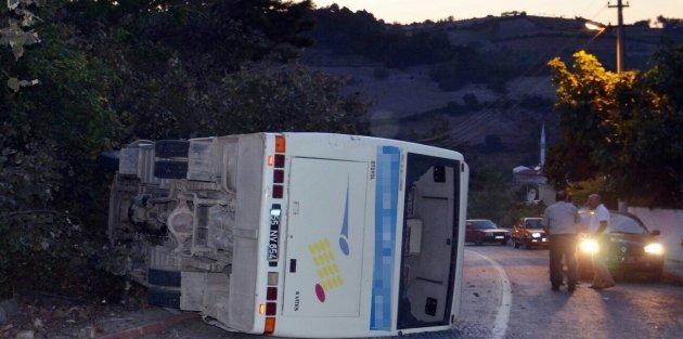 Bafra Belediye Otobüsü devrildi 15 yaralı
