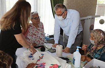 Bafra Belediye Başkanı Kılıç, engellilere yönelik el sanatları kursunda inceleme yaptı