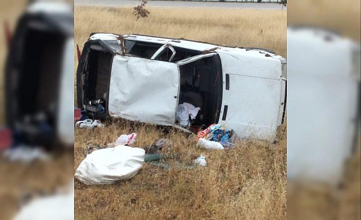 Amasya'da otomobil devrildi: 3 yaralı