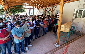 Ayancık'taki sel felaketinde hayatını kaybeden Mehmet Demircan son yolculuğuna uğurlandı