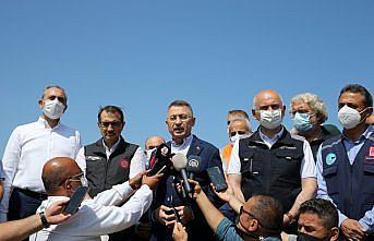 Cumhurbaşkanı Yardımcısı Oktay, sel felaketi yaşanan Ayancık'ta açıklamalarda bulundu: (2)