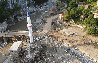 Kastamonu'daki sel felaketinde bir kişinin sele kapıldığı Çaydüzü köyünde 11 bina yıkıldı