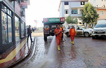 Selin vurduğu Bozkurt'ta çamurdan temizlenen sokaklar yıkanıyor