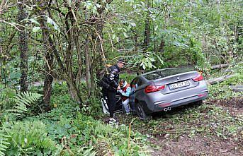 Boluspor'lu futbolcuların içinde bulunduğu otomobil bariyerlere çarptı