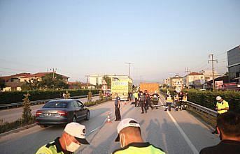 Düzce'de kamyonla çarpışan motosikletteki 2 kişi öldü