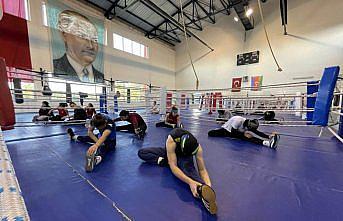 Genç Kadınlar Boks Milli Takımı Avrupa Şampiyonası'na Kastamonu'da hazırlanıyor