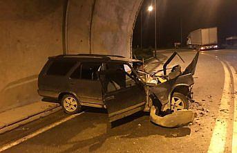 Giresun'da otomobil ile tırın çarpıştığı trafik kazasında 2 kişi yaralandı
