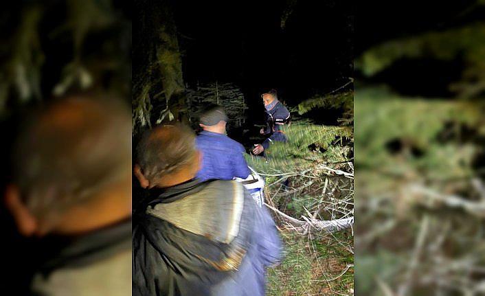 Karabük'te ormanlık alanda kaybolan 3 kişi bulundu
