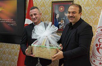 Olimpiyat şampiyonu boksör Busenaz Sürmeneli, kamp yaptığı Ordu'ya geldi