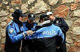 Polis otosuyla okula gitme hayali gerçek oldu