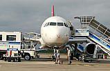 GÜNCELLEME - Samsun'da iniş sırasında kuşa çarpan uçağın burnunda ezik oluştu