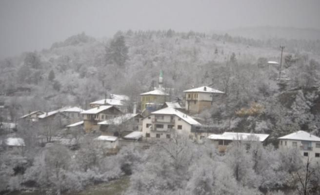 Karabük'te kar etkili oluyor