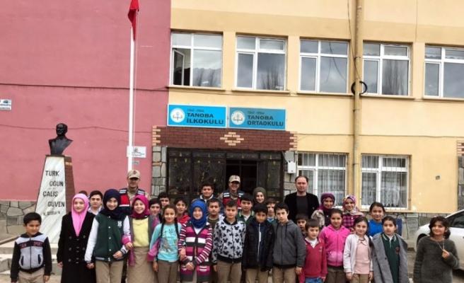 Tokat'ta huzurlu parklar ve okul önleri uygulaması