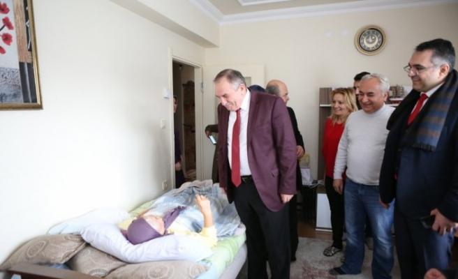Başkan Yılmaz'dan hasta ziyaretleri