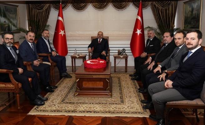 Trabzonspor yöneticilerinden Vali Ustaoğlu'na ziyaret
